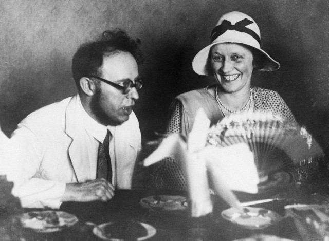 29 Jul 1931, St. Petersburg, Russia --- Original caption: Lady Astor enjoys Karl Radek's joke. Mr. George Bernard Shaw and Lady Astor M.P. have arrived in Leningrad on their Russian tour. Photo shows: Lady Astor enjoying a joke with Karl Radek, the Bolshevik leader, at a dinner in honour of the Soviet's guests. --- Image by © Bettmann/CORBIS